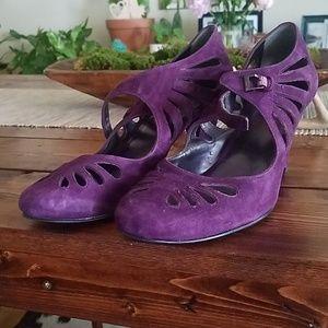 Nine West purple heels